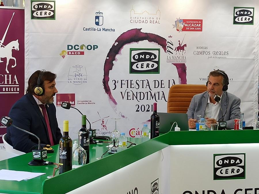 Carlos Alsina entrevista al presidente del CRDO La Mancha, Carlos D. Bonilla, en Más de Uno