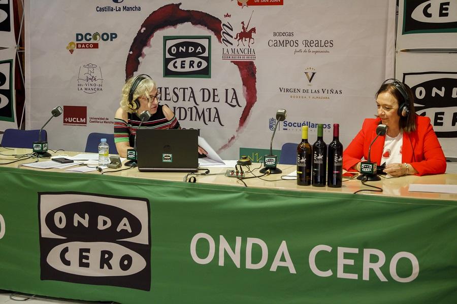 Carmen Juan entrevista a Rosa Melchor en el programa Julia en la Onda